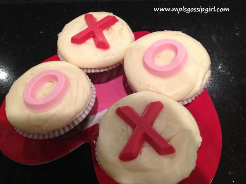 W VD Cupcake box XOXO