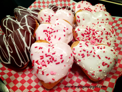 W VD Doughnuts